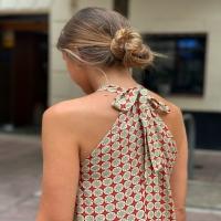 Os ha vuelto muy locas nuestro vestido Parma 😜🤪 ¿Cómo es de ideal también la espalda? 🤍  Ya lo tenéis disponible en cuatro colores en la web 💻💥
