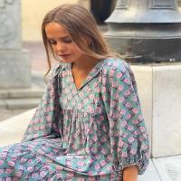 Vestido Amalfi con nuevo estampado 🌸🌼 Cotillea 🧐 nuestras REBAJAS en www.heynikki.es 💥
